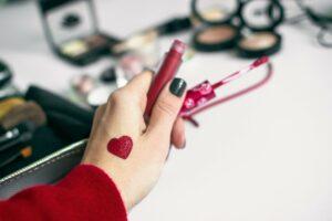 Shop Valentine's Day 2020 Deals at Just4Girls.pk !Image Credit: @cannelle.olga via Twenty20.
