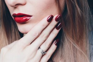 Shop Red Lipstick at Just4Girls.pk. Image Credit: @VeraNovember via Twenty20