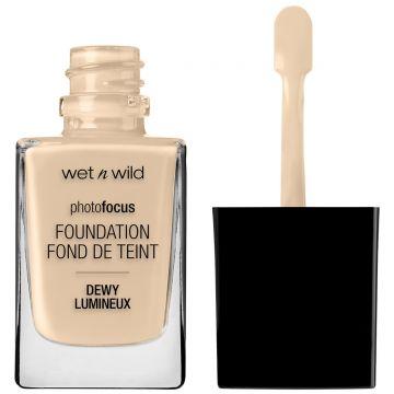 Wet n Wild Dewy Lumineux Foundation - Porcelain 28ml - US